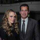 Molly Sims y Scott Stuber en la fiesta 'Celebration of Babies' en honor a Jennifer Lopez