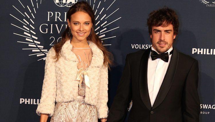 Fernando Alonso y Dasha Kapustina en los Premios de la FIA 2013