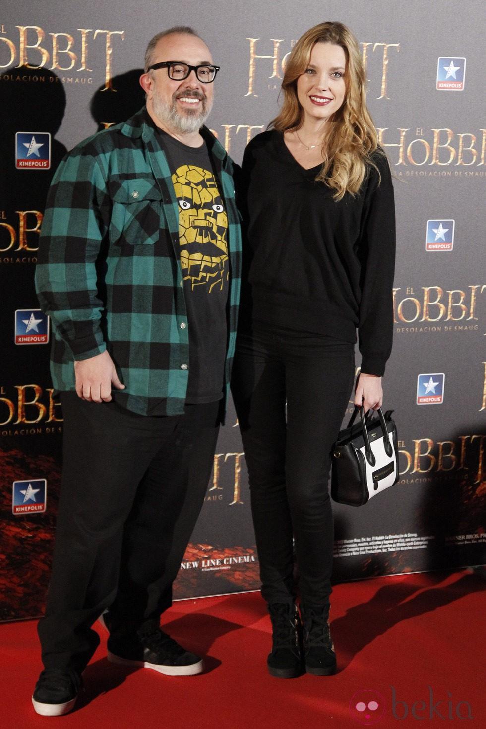 Álex de la Iglesia y Carolina Bang en el estreno de 'El Hobbit: La desolación de Smaug' en Madrid