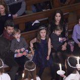 Federico y Mary de Dinamarca y sus hijos en un concierto de Navidad