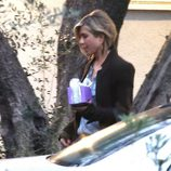 Jennifer Aniston de camino al Baby Shower de Emily Blunt