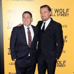 Jonah Hill y Leonardo DiCaprio en el estreno de 'El lobo de Wall Street' en Nueva York