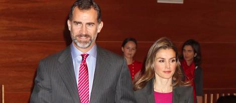 Los Príncipes de Asturias entregan las becas Santander 2013