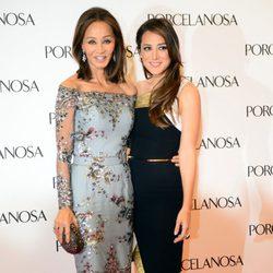 Isabel Preysler y Tamara Falcó en la inauguración de una tienda en Barcelona