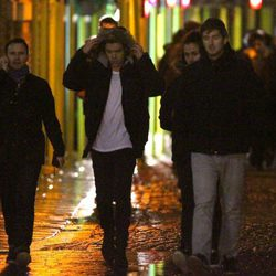 One Direction dirigiéndose al rodaje de su último videoclip en el Puente de la Torre de Londres