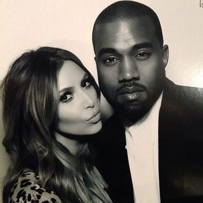 Kim Kardashian y Kanye West en la fiesta de Nochebuena de Kris Jenner