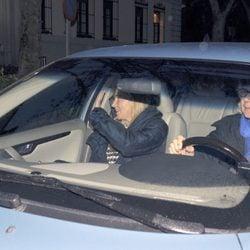 Jacobo Fitz-James Stuart e Inka Martí llegando al Palacio de Liria en Nochebuena