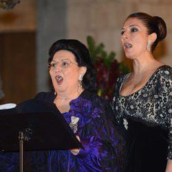 Montserrat Caballé y Montserrat Martí en el concierto 'Voces para la esperanza' en Barcelona