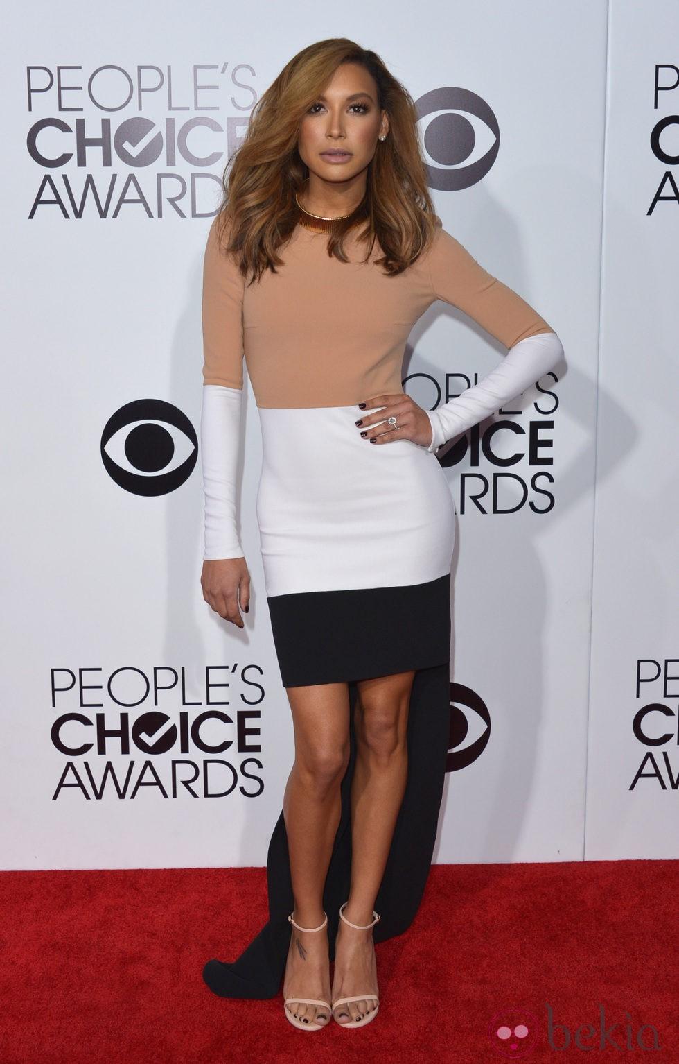 Naya Rivera en la alfombra roja de los People's Choice Awards 2014