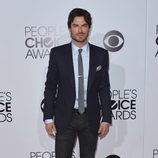 Ian Somerhalder en la alfombra roja de los People's Choice Awards 2014