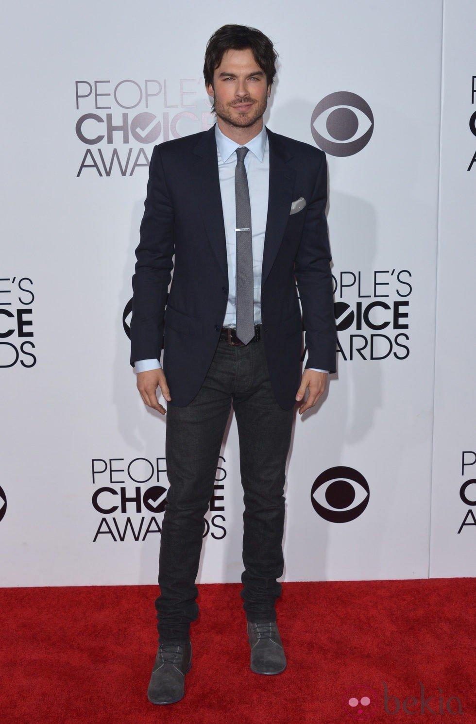 Ian Somerhalder en la alfombra roja de los People's Choice Awards 2014