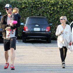 Elsa Pataky luce embarazo junto a Chris Hemsworth y su hija India Rose en Santa Monica