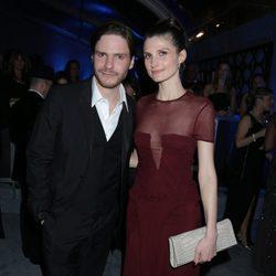 Daniel Brühl y Felicitas Rombold en la fiesta NBC tras los Globos de Oro 2014