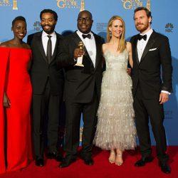 El equipo de 'Brooklyn Nine-Nine', mejor serie de comedia en los Globos de Oro 2014
