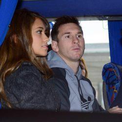 Leo Messi y Antonella Roccuzzo antes de viajar a Zurich para la gala del Balón de Oro 2013