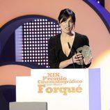 Marián Álvarez recoge su galardón en la gala de los Premios José María Forqué 2014