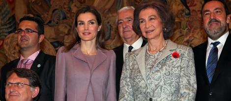 La Princesa Letizia y la Reina Sofía en la entrega de las condecoraciones de la Orden Civil de la Solidaridad Social