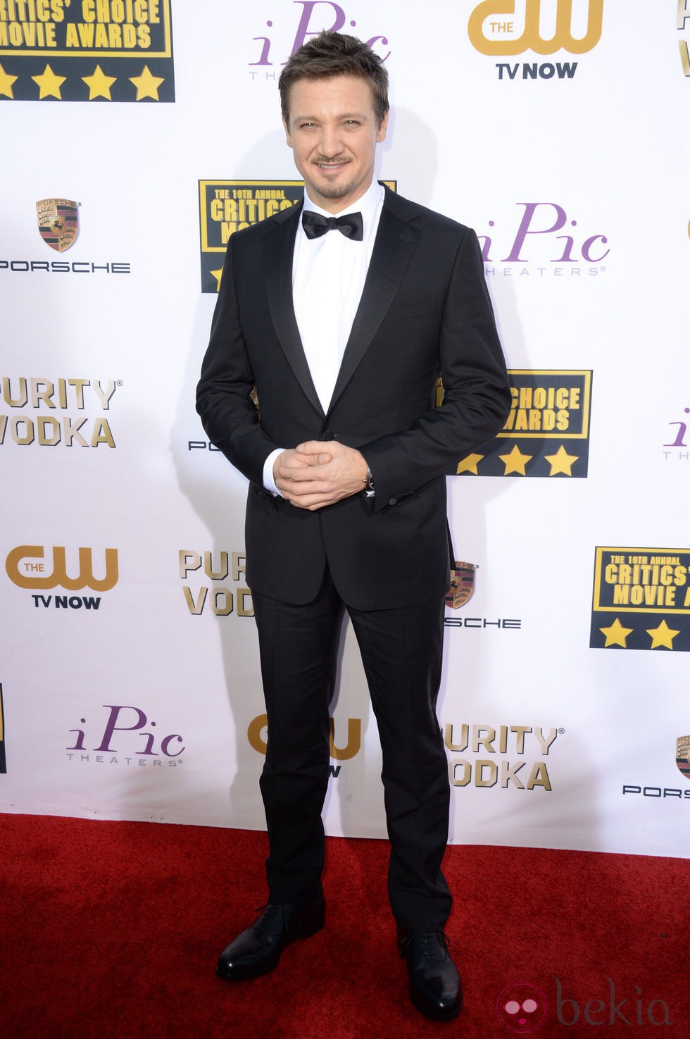 Jeremy Renner en la alfombra roja de los Critics' Choice Movie Awards 2014