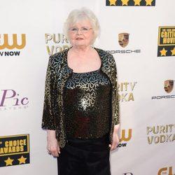 June Squibb en la alfombra roja de los Critics' Choice Movie Awards 2014