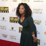 Oprah Winfrey en la alfombra roja de los Critics' Choice Movie Awards 2014