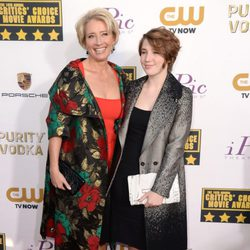 Emma Thompson y su hija en la alfombra roja de los Critics' Choice Movie Awards 2014