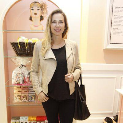 Kira Miró en la apertura de una tienda de la firma de cosméticos Benefit