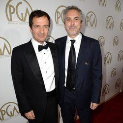 David Heyman y Alfonso Cuarón en la gala de entrega de los Producers Guild Awards 2014
