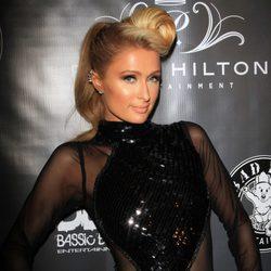 Paris Hilton en una fiesta pre-Grammy 2014