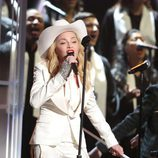 Madonna durante su actuación en los Premios Grammy 2014