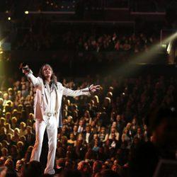 Steven Tyler durante su actuación en los Grammy 2014