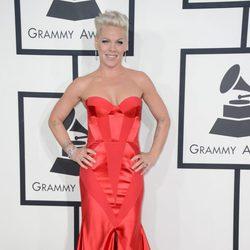 Pink en la alfombra roja de los Grammy 2014