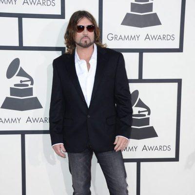 Billy Ray Cyrus en la alfombra roja de los Grammy 2014