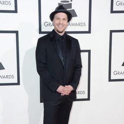 Gavin DeGraw en la alfombra roja de los Grammy 2014