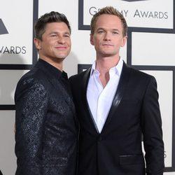 David Burtka y Neil Patrick Harrison en la alfombra roja de los Grammy 2014