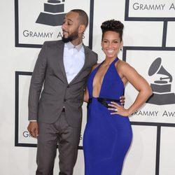 Swizz Beatz y Alicia Keys en la alfombra roja de los Grammy 2014