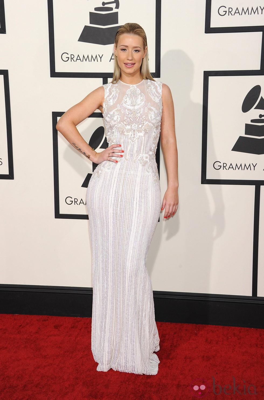 Iggy Azalea en la alfombra roja de los Grammy 2014