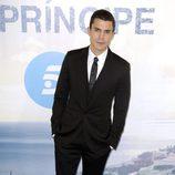 Álex González en el estreno de la serie 'El Príncipe'