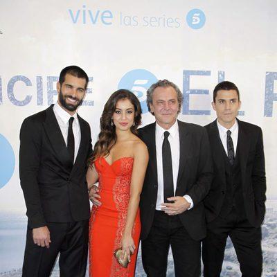 Rubén Cortada, Hiba Abouk, José Coronado y Álex González en el estreno de la serie 'El Príncipe'