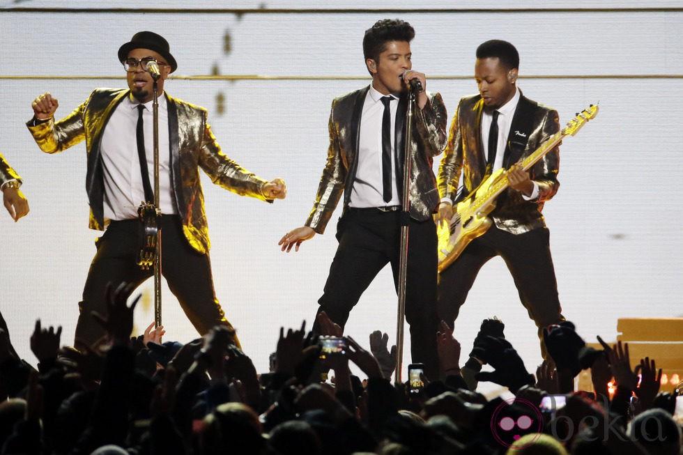 Bruno Mars protagoniza la actuación principal de la Super Bowl 2014