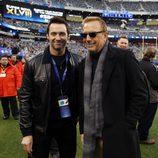 Hugh Jackman y Kevin Costner en la Super Bowl 2014