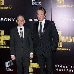 Bob Balaban y Jean Dujardin en el estreno de 'Monuments Men' en Nueva York