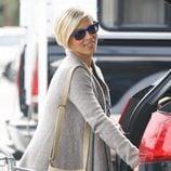 Elsa Pataky carga la compra en Santa Monica