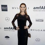 Behati Prinsloo en la gala amfAR 2014 de Nueva York