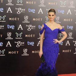 Norma Ruiz en la alfombra roja de los Goya 2014