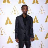 Barkhad Abdi en el almuerzo de los nominados a los Oscar 2014