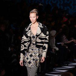 Karlie Kloss desfilando en la Semana de la Moda de Nueva York 2014