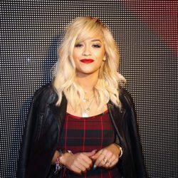 Rita Ora en el desfile de DKNY de la Semana de la Moda de Nueva York 2014