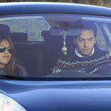 Chabelita Pantoja y Alberto Isla saliendo de Cantora en coche