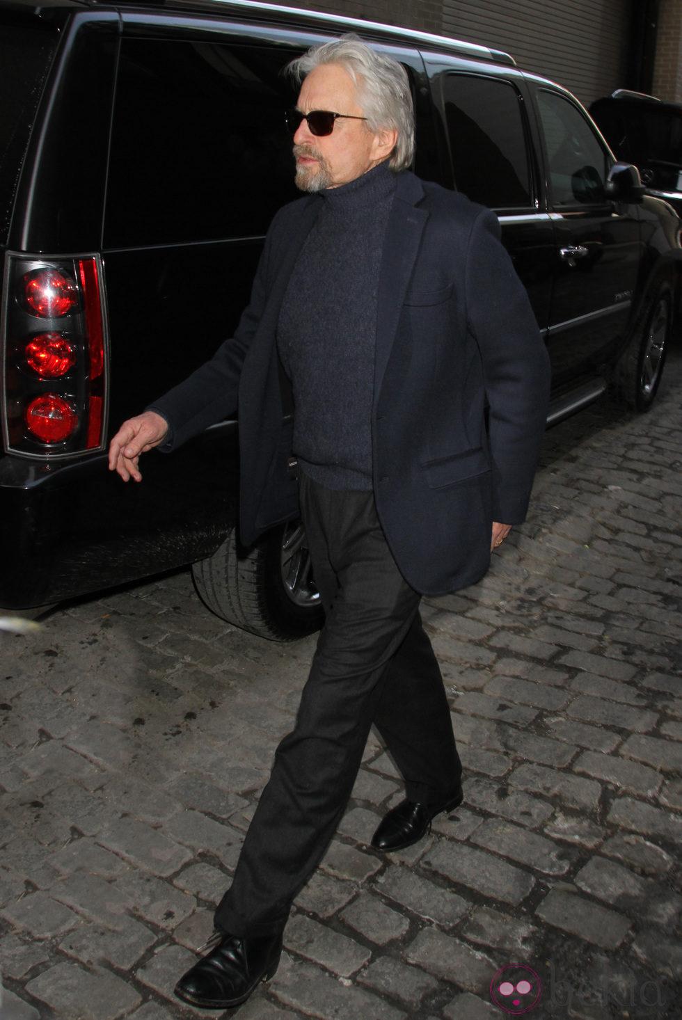 Michael Douglas en el desfile de Michael Kors en la Semana de la Moda de Nueva York 2014