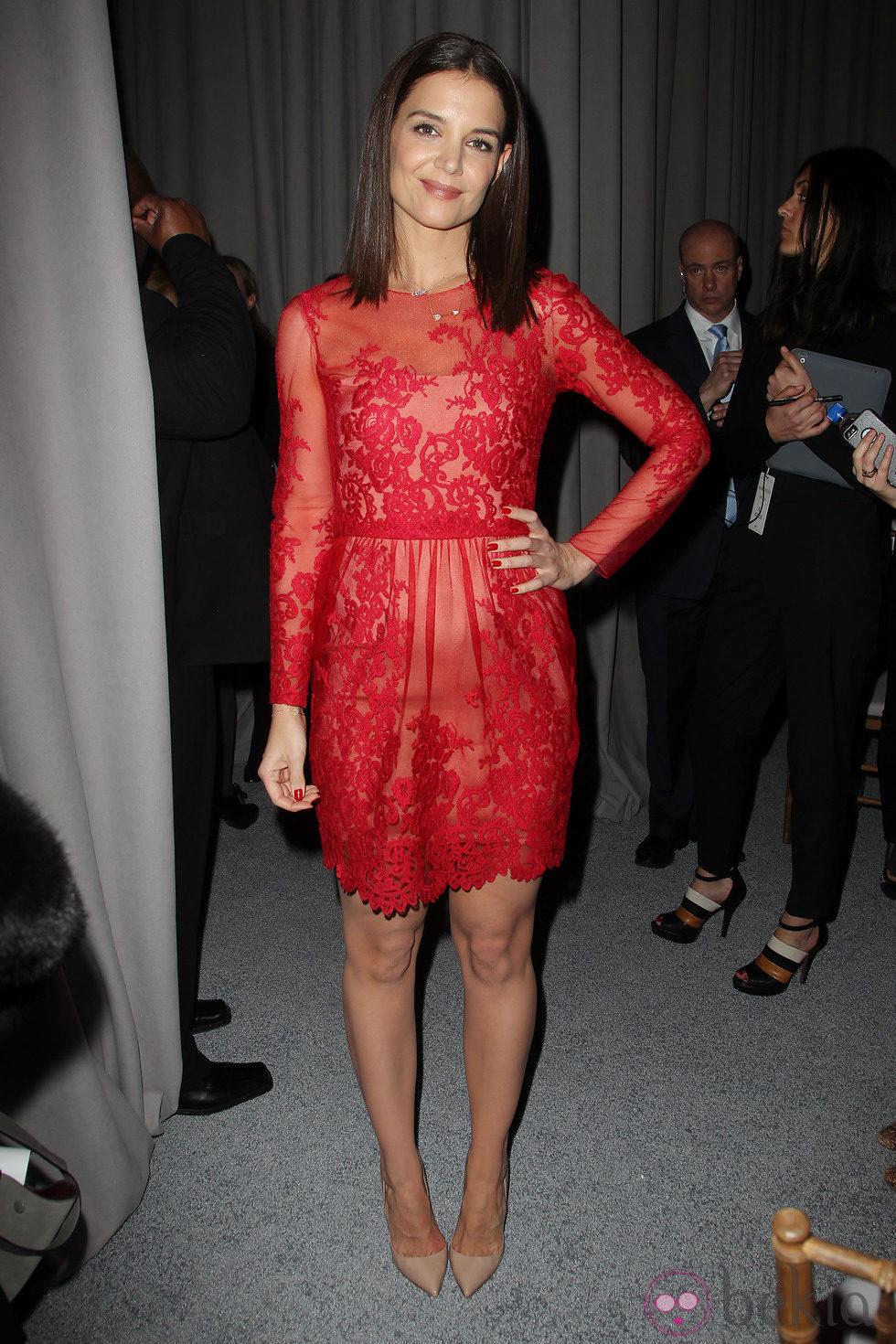 Katie Holmes en el desfile de Ann Sui en la Semana de la Moda de Nueva York 2014